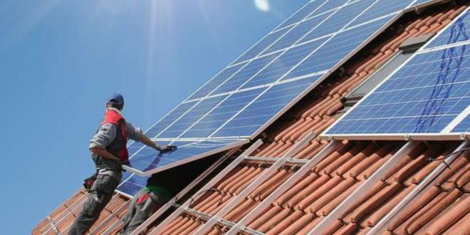 Solarpanel 660x330 - Umfrage: Mehrheit der Deutschen will Ausbau der Solarenergie