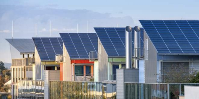 Solardaecher 660x330 - Umfrage: Mehrheit der Deutschen für stärkeren Ausbau der Solarenergie